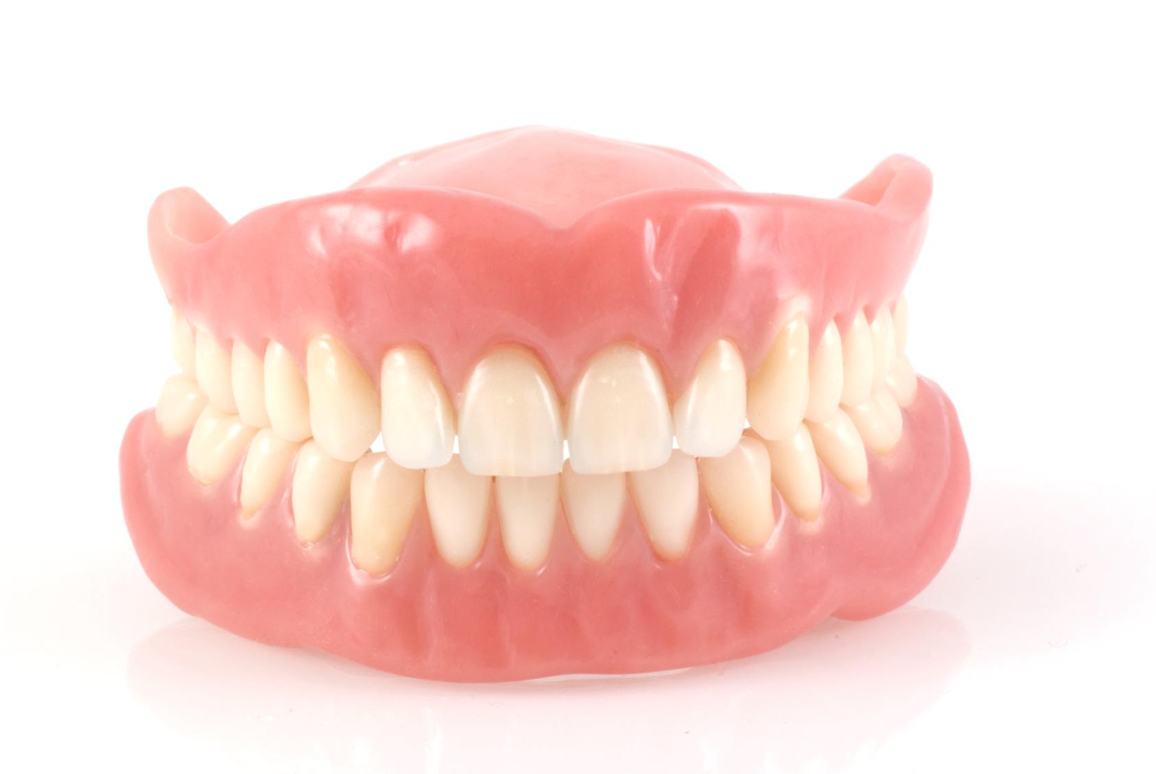 3 Reasons to Avoid Homemade Dentures